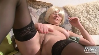 Old hooker along with sagging titties is facesitting thirsty stud in twisted adult material online video media
