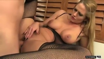 Delectable flaxen MILF in heated bodysuit Holly Heart had fine sexual intercourse with her boss in the office