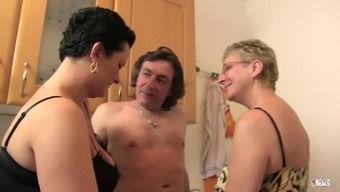 XXX Omas - The kitchen threesome by using The german language Senior hookers