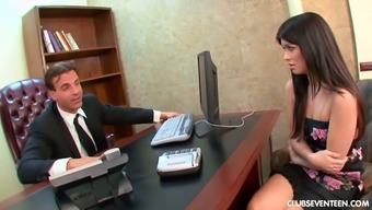 Seductive all natural svelte secretary Ashlyn persuades supervisor for wilderness sex