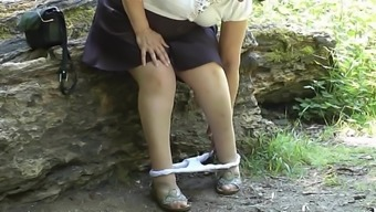 upskirt bum inside the wood stage a pair of.mp4