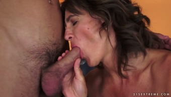 Willowy brunette cougar is worked up to actually fuck a little man