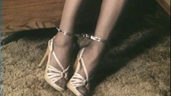 Short Hair Chained Shimmy
