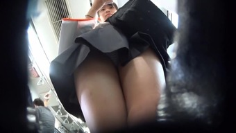 voyeur Japanese young adult females upskirt 2