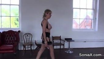 Adulterous britain grow older girl sonia flashes her large puppi