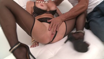 Plus sized MILF Veronica Avluv is getting dicked like you never thought possible!