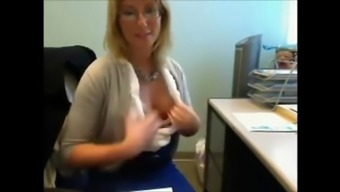 LittleKissMuffin: Age acts in business office