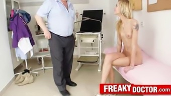 Skinny pretty Sindy Vega somatic and genital examination
