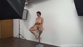 Mature The united states tramp Alexandra using to produce a adult material movie