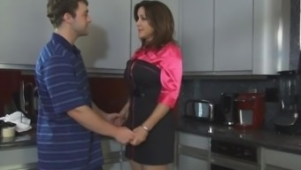 Rachel Steele sexi mom