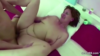 Mum Trapped Step-Son Shiver and Help Him Along with Fuck
