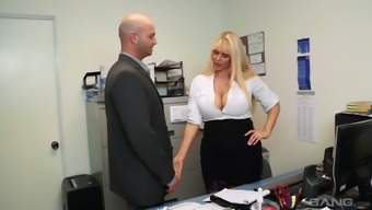 Full-figured body Karen Fisher showcases an excellent whole body and he or she is very good intercourse
