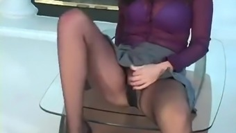 Avingumas Trying Pantyhose Desires One to Attack For Her