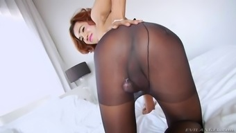 wild hair shemale in pantyhose sole game