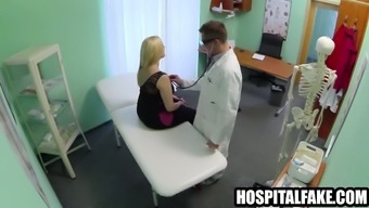Massive brown patient gets bare for her health professional