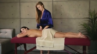 Hot dame Lena Slavik is significantly obsessed with her client's attractive back and legs simultaneously