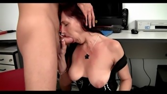 little mature body fuck in business office youger supervisor
