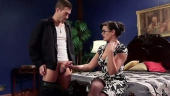 Some hard FFM threesome is never too late for curvy whore Mercy West