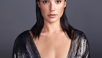 Gal Gadot KingFake SlideShow
