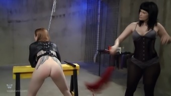 She makes her screaming slave endure the painful spanking