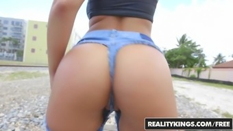 RealityKings - Monster Curves - Bruce Achievement Layla London -