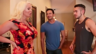 Some natural environment bisexual MMF threesome shit gonna result from Alura Jenson