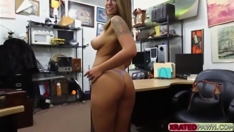 nerdy tattoed missy layla the city of london steaming sex on the job