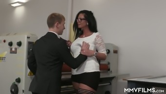Strict tall chief Vivian Porthole gets her MILFie clit fucked good
