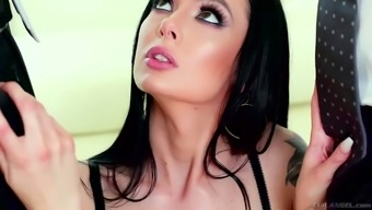 Log surprise Marley Brinx works to manage two different massive cocks