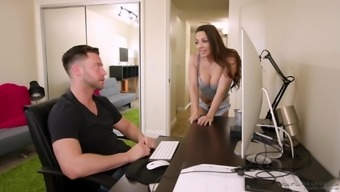 Fascinating Abigail Mac likes to massage therapy a dick with the pussy