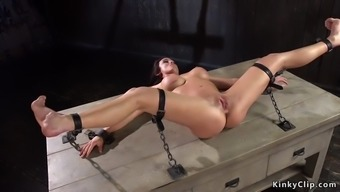 Anal hooked babe made squirting in bdsm