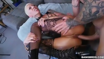 Teen bella bellz does anal on for comeback