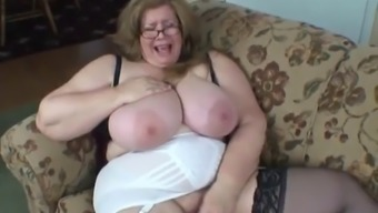 Bbw massive, amazing mom playing