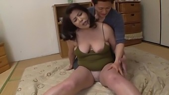 Chubby Japanese wife fuck with husband