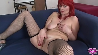 GRANNYLOVESBLACK - Redhead Amanda Roses getting the beefy injection