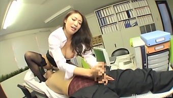 Deep creampie after this hot Japanese secretary pleases her male boss