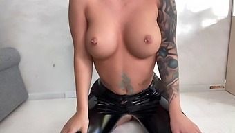 bitch in latax leggings fucks herself with a black falas