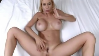 Heated MILF gets her lips jam-packed with ejaculation - Alexis Fawx
