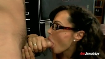 Misused sey teacher in eyeglasses Lisa Ann gives great blowjob to 1 perverted student