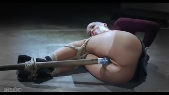 abigail dupree gets her pussy leveled by the dildo in bdsm action