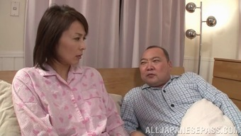 Small haired Oriental partner fingers herself while her hubby sleeps
