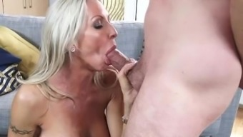 Slutty Step mama Emma Starr Gives Best Blowjob her action youngster and will help himcum