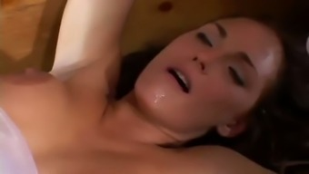 Slutty bride to be is missing in her butt in MMF threesome