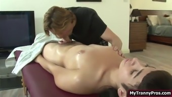 Trans alexa inspect booty fucked by her bfs after massage