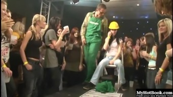 Blond getting her considerably clipped twat misplaced using a males stripper