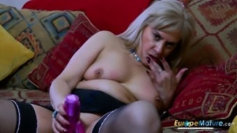 Chunky alone oldie Ruby goes solo and pets her own mature cunt well